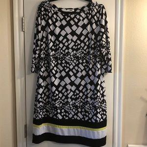 Women's 3/4 sleeve Black and White dress